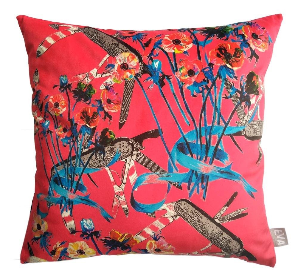 Дизайнерски декоративни възглавници, направени от висококачествени и устойчиви материали. Подходящи за всяко кътче от Вашия дом. Внесете свежест и цвят в ежедневието си.